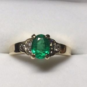 Vintage 14 Kt emerald and diamond ring